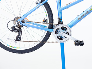 Mountain bike with cantilever brakes